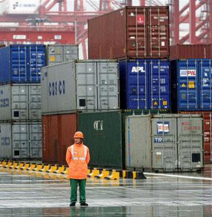 Перевалка грузов в портах